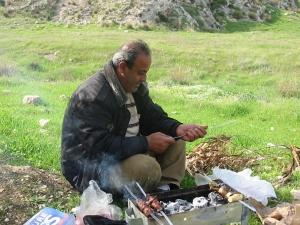 Ghasan haciendo el 'asado' en el valle del Jordán