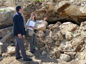 Una cueva-refugio bloqueada e inutilizada por la topadora