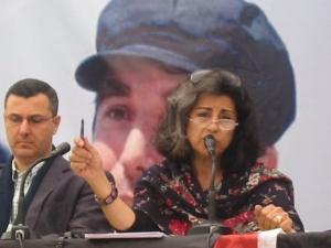 La escritora egipcia Ahdaf Souief y el líder del movimiento BDS Omar Barghouti