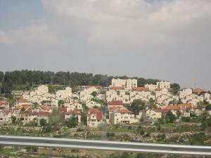 Una de las numerosas colonias que rodean a la ciudad palestina de Belén