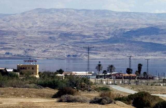 Balneario israelí Bianqini, en el norte del Mar Muerto. (Keren Manor, 13/3/11, Activestills).