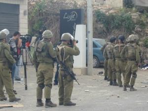 Soldados israelíes listos para reprimir la manifestación palestina el día de la Nakba (15/5/11)