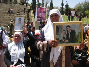 Familiares de presos políticos en Nablus (abril 2011)