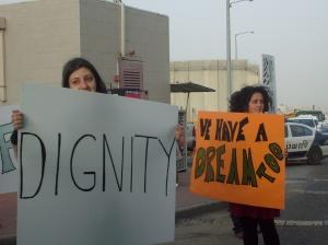 """Un cartel alude a las palabras de Martin Luther King: """"Nosotrxs también tenemos un sueño"""""""