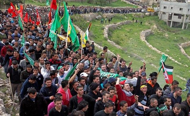 Funeral de Mohammed Asfour (22) en Aboud, el 8 de marzo (Iyad Jadallah)