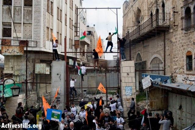 Protesta anual en Al-Khalil (Hebrón) por la apertura de la calle Shuhada, donde sólo pueden transitar los colonos judíos