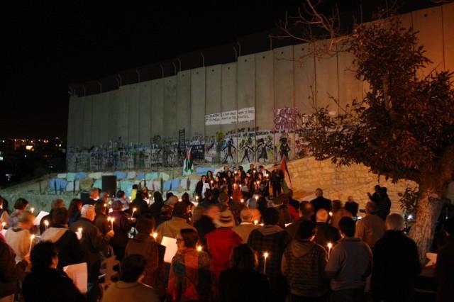 Culto frente al Muro para inaugurar el encuentro Kairos por la Justicia Global (Belén, 2011).