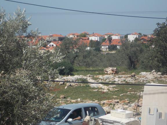 Viviendas de la colonia judía Revava vistas desde una casa de Hares (M. Landi)