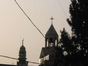 Cúpulas interreligiosas en el cielo de Belén (M. Landi)