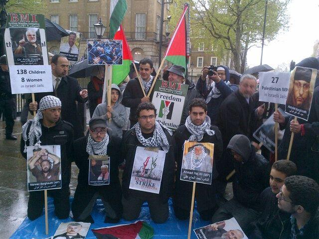 Protesta en solidaridad con los presos palestinos en huelga de hambre (Londres).