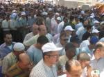 Largas colas durante el tórrido mes de Ramadán, bajo el sol y en total ayuno.