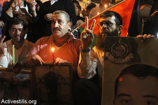 Adnan durante un acto por los presos políticos en Nablus (Ahmad Al-Bazz