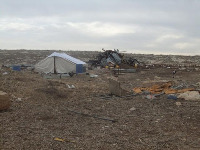 Ruinas y restos después de la demolición de la vivienda de Rasha (G.le Gauyer).