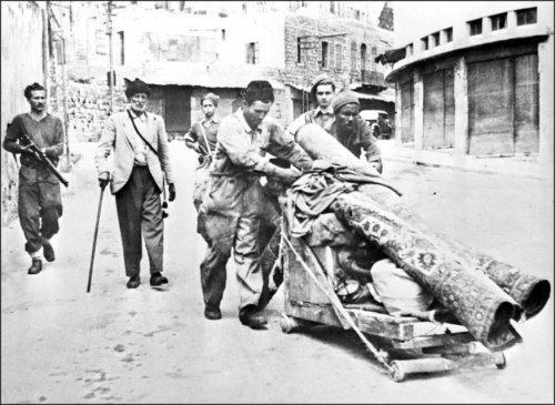 250000 – 350000: El número de palestinos expulsados por las fuerzas sionistas antes de la creación de Israel.
