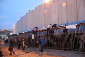 Checkpoint 300, que separa a Belén de Jerusalén. (Samuel Smith).