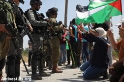 Mujeres de Nabi Saleh durante la protesta semanal en su aldea.