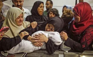 Despedida a la bebé Laila Anwar al-Ghandou, de 8 meses, asesinada por los gases lacrimógenos israelíes.