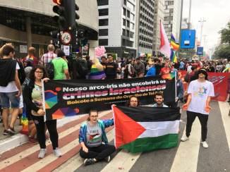 Rechazo al pinkwashing israelí en la Marcha del Orgullo 2018 en Sao Paulo.