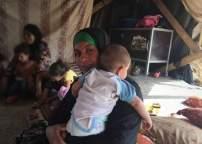 Fatma al-Nawaja y otrxs residentes de Jirbet Susiya afirman que los colonos los hostigan continuamente.