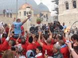 Cristianos rigurosamente vigilados durante la celebración del Fuego Santo (Sábado de Pascua) en la azotea de la Iglesia del Santo Sepulcro, en Jeruslalén, abril de 2011 (Foto: María Landi).