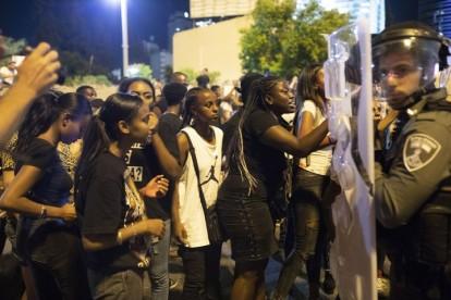 Etíopes protestan en Tel Aviv (Oren Ziv, Activestills).
