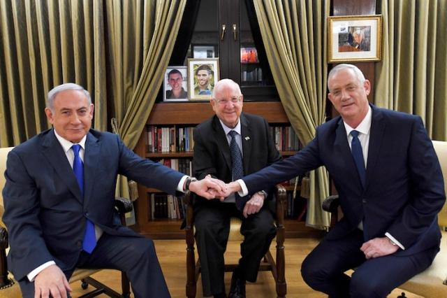 El Presidente Rivlin se reúne con el Primer Ministro Benjamin Netanyahu y el líder del partido Azul y Blanco Benny Gantz en su residencia oficial en Jerusalén el 23/9/19 (Foto: Haim Zach/GPO)