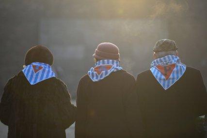 Tres supervivientes de Auschwitz se dirigen al campo para conmemorar el 75º aniversario de liberación. (Omar Marques, GETTY).