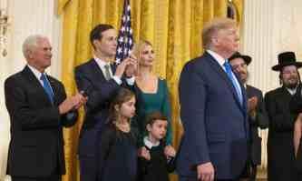 """Jared Kushner, yerno de Trump y """"asesor especial para Medio Oriente"""" escribió en el New York Times que la definición de la IHRA """"deja claro que antisionismo es antisemitismo"""". (Manuel Balce Ceneta/AP)."""
