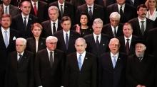 Líderes mundiales en el Foro Internacional organizado por el gobierno de Israel para conmemorar el Holocausto. (Abir Sultan/Pool Photo via AP)