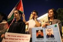 Activistas del campo de refugiados de Aida protestan contra el asesinato del joven autista Iyad Hallaq en Jerusalén Este y se solidarizan con la comunidad negra de EE.UU. por el asesinato de George Floyd (Belén, junio 2020, AbdelRahman Hassan).